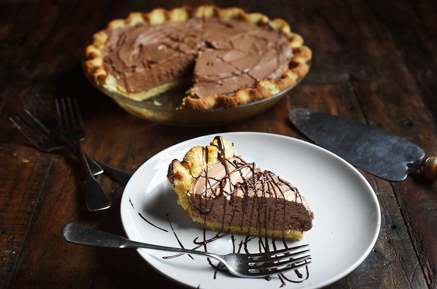 Keto Chocolate Silk Pie
