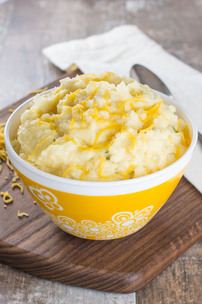 Keto Garlic and Cheddar Cauliflower Mash