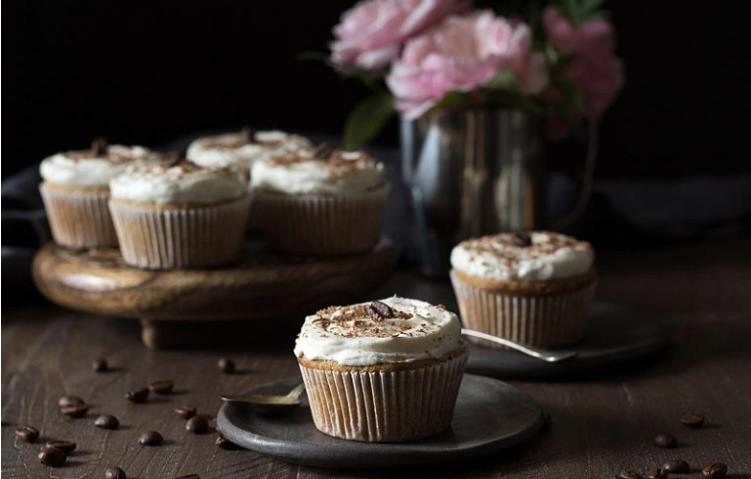 Low Carb Vanilla Latte Cupcakes