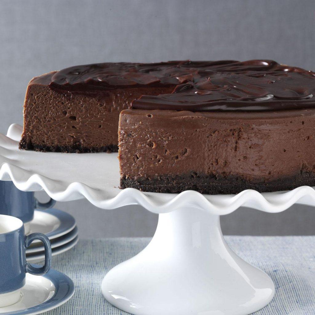 Amazing Keto Chocolate Cheesecake